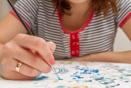 3 motive pentru a incerca kiturile de pictura pe numere