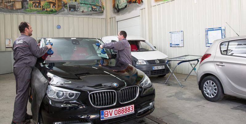 Cand si de ce se crapa parbrizul unui autoturism BMW?