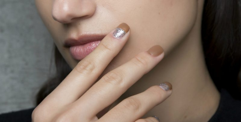 Care este forma potrivita a unghiilor unei femei?