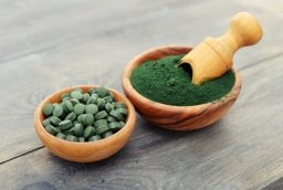 Ce beneficii are spirulina?