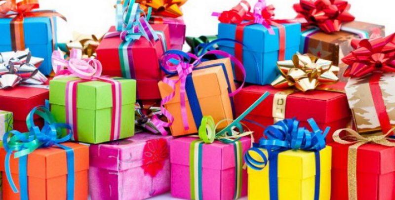 Ce cadouri alegem pentru cei mici?