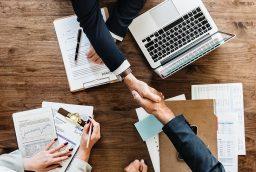 Ce sunt intermediarii financiari?
