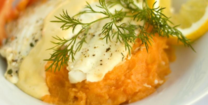 Dorada la cuptor cu piure de morcovi