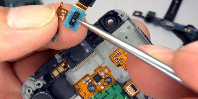 Ce servicii ofera un service de reparatii telefoane?